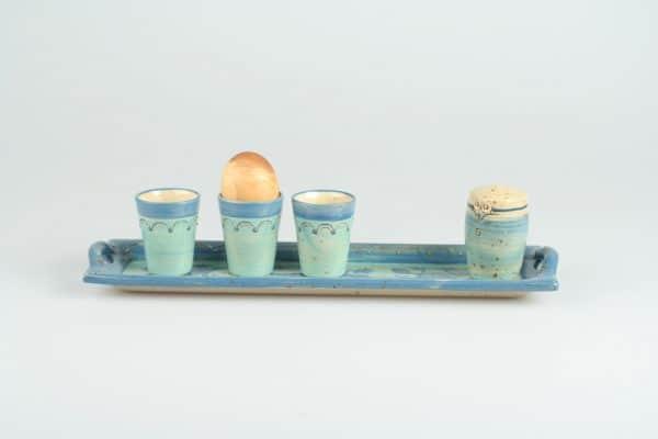 Töpferei Drehwurm rechteckige Platte mit Salzstreuer und Eierbechern