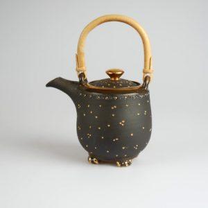 Töpferei Drehwurm Teekanne schwarz gold