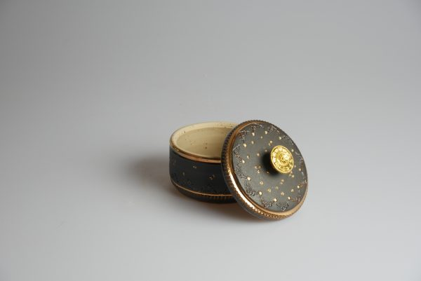 Töpferei Drehwurm Schmuckdose schwarz gold