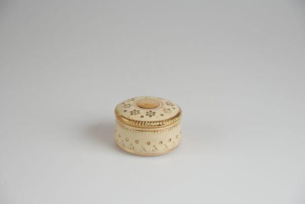 Töpferei Drehwurm Schmuckdose weiß gold