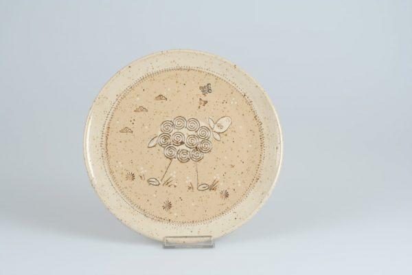 Töpferei Drehwurm Teller mit Schaf weiß